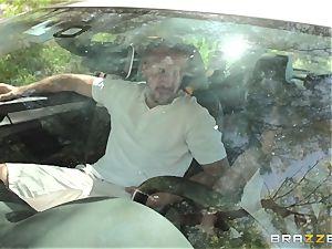 Hopeful driver Sara Luvv penetrates her driving teacher