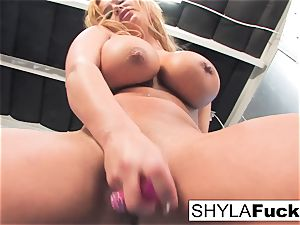 Shyla gives you a jaw-dropping unclothe and solo