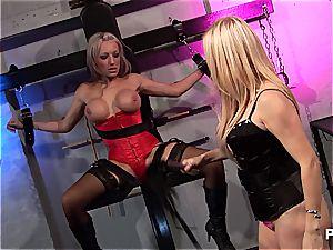 Fetish three-way with Alicia Rhodes