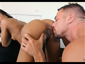 Kira Noir munched and dicked by a humungous trouser snake