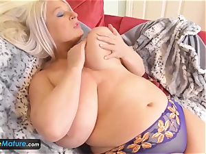 EUROPE MATURE two blondes are milking