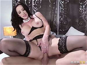 Adulterer Johnny Sins porks his wife's boss and then his wife Jayden Jaymes