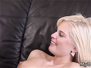 dad meeting kinky blondie wants to attempt someone little bit more accomplished