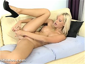 extraordinaire platinum-blonde Bella Morgan cums on a ample violent fake penis