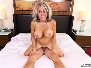 humungous bumpers cougar gets anal drill and facial