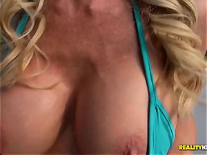 Ceira Roberts vagina humped by the poolside
