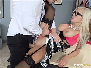hot chief Nina Elle seduces her worker