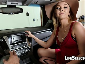 gassy cougar Aaliyah love gives a oral pleasure in your car