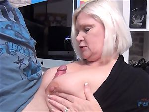 sizzling milf Lacey Starr lollipop throating