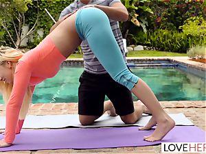 LoveHerFeet - sole worshipping Yoga Class