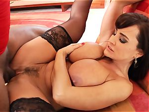 molten Lisa Ann gets her cunt tucked with firm rod