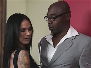 crazy wife Nadia Styles gets multiracial pummeling