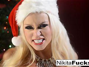 Nikita Von James celebrates Christmas with her pussy