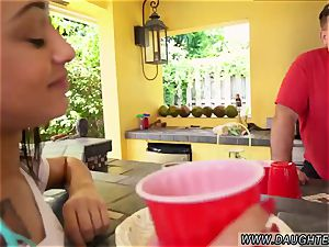 tempts accomplice compeer s daughter Holly Hendrix Has Some fun With Her parent s chum