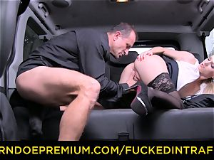 drilled IN TRAFFIC - marvelous blonde romped in backseat