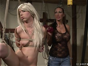 Mandy Bright screw the throat of super-steamy babe with faux-cock