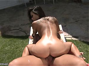 dirty fucker Asa Akira luvs the erotic act with her paramour outdoor