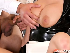 snatch beating the naughty lovemaking gimp maid Britney Amber