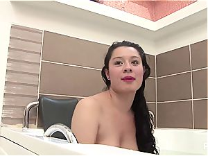 amateur Latina wants her own porn