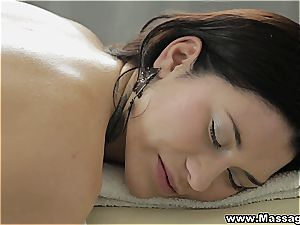 Pretty Erika makes the massagist erupt in cum all over her hatch