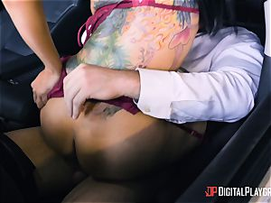 kinky buxom Romi Rain pulverized sack deep in the car