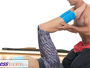 FitnessRooms Ivana Sugar utter assets and labia stretch