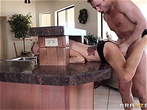 Sarah Jessie ends her run with a strangers enormous knob