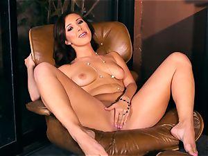Jenna Sativa enjoys some fleshy naked onanism