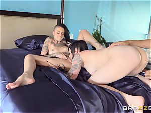 amazing porn 3 way with inked punks Leigh Raven, Nikki Hearts and Xander Corvus