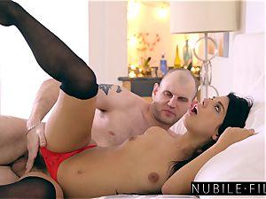 supah sexy Gina Valentina seduces Moms beau