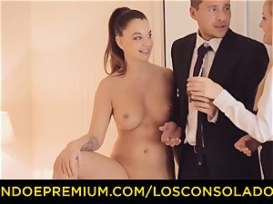 LOS CONSOLADORES - three way fucky-fucky fun for dark-haired kitten