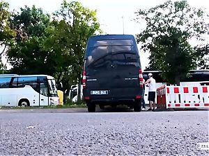 culos BUS - warm van intercourse with hot German blond